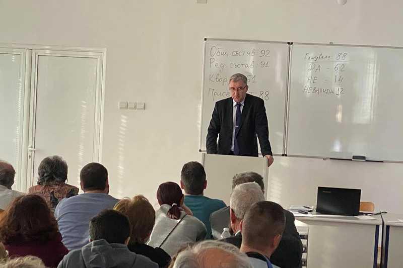 Новият ректор на ТУ-Габрово е проф. д-р инж. Илия Железаров