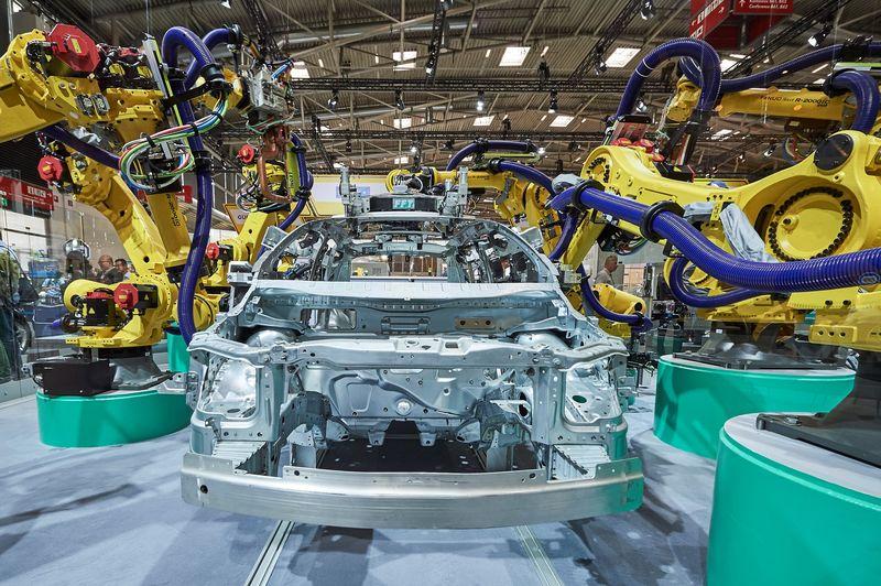 FANUC доставя 1400 робота на Volkswagen