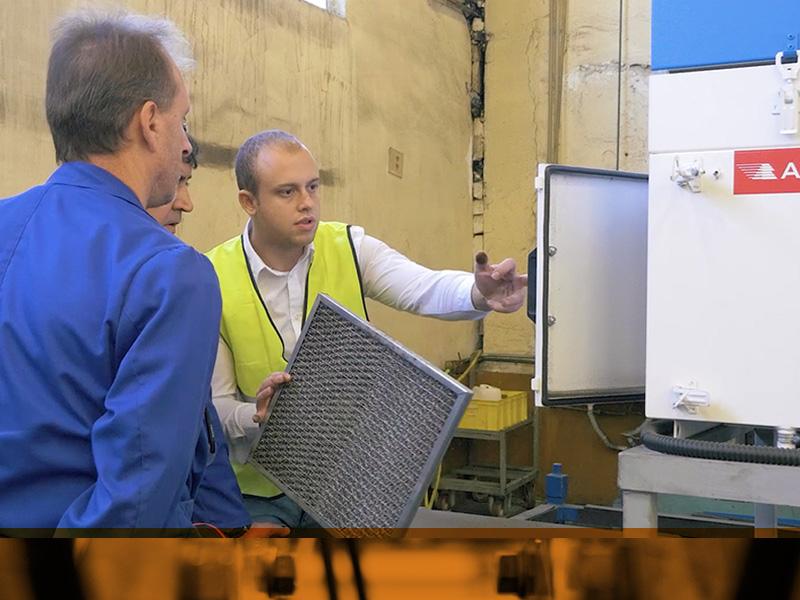 Хенлих представи решение с филтриращи системи, които гасят горещи стружки във въздуха