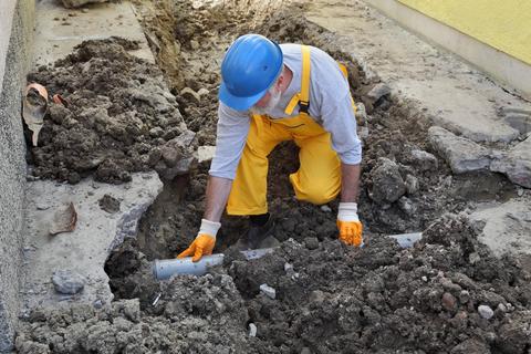 Община Гълъбово търси фирма за ремонт на водопроводи и канализация