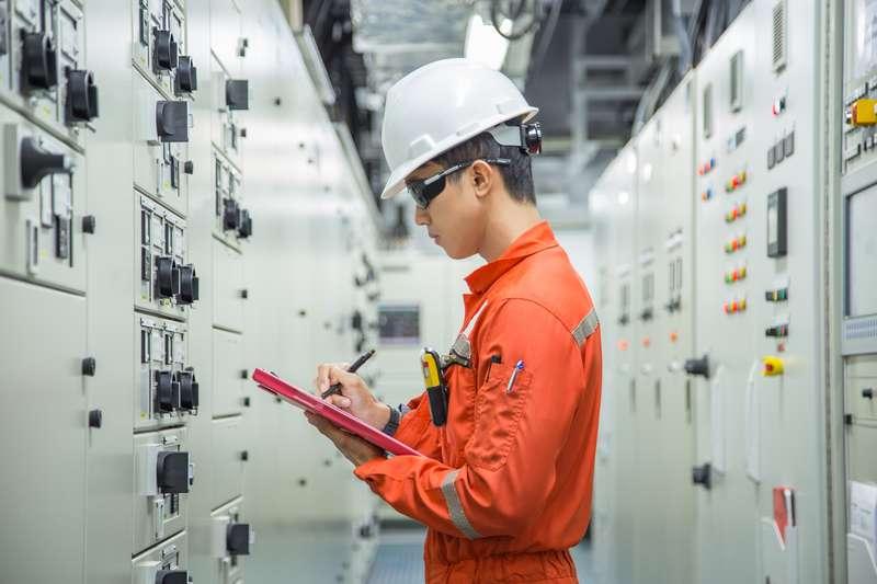 Електроразпределение Север търси фирма за доставка на прекъсвачи