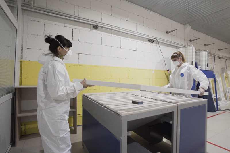 Валда 90 модернизира производството си на дограма с автоматизирани машини