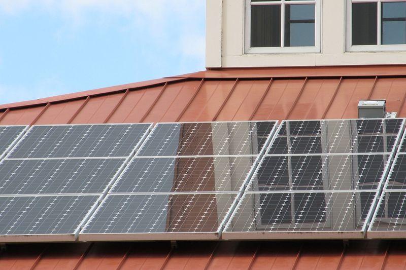 ДПФЗД откри търг за изграждане на соларни системи за топла вода