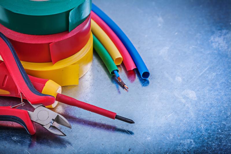 ЕСО търси фирма за доставка на кабели и изолирани проводници
