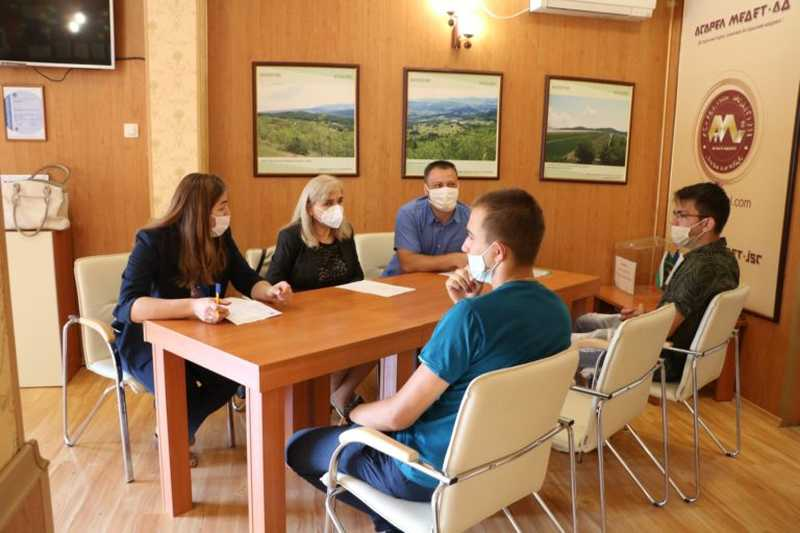 10 ученици от ПГИТМ Панагюрище започват работа в <strong>Асарел</strong>-<strong>Медет</strong> след дуално обучение