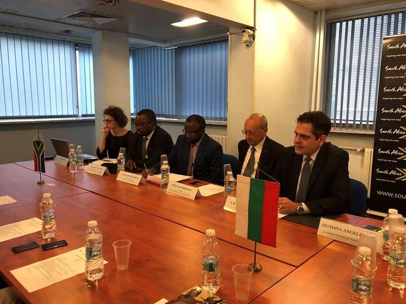 Посолството на Южна Африка бе домакин на семинар за инвестиции