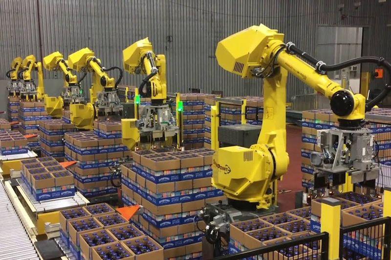 Как хората и роботите работят заедно