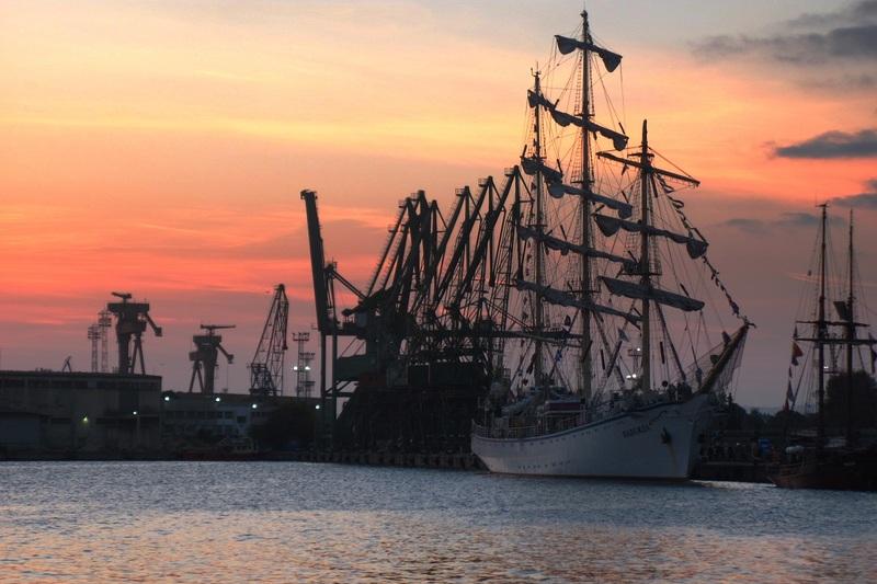 Пристанище Варна търси доставчик на лагери, семеринги и ремъци