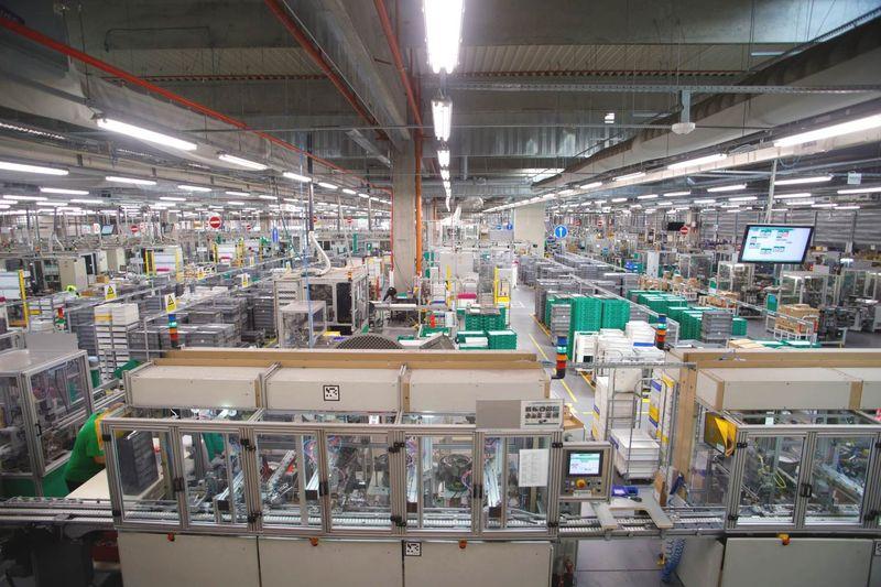 Schneider Electric стартира нова стажантска програма под мотото Be Smart. Start!