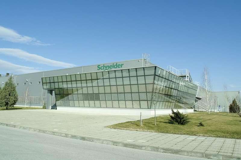 <strong>Schneider</strong> <strong>Electric</strong> добавя нови решения на платформата EcoStruxure IT за управление на хибридната ИТ инфраструктура