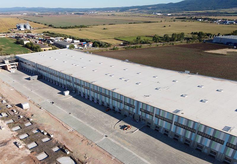 През 2020 г. у нас са изградени 95 401 кв. м нови <strong>индустриални</strong> и логистични площи