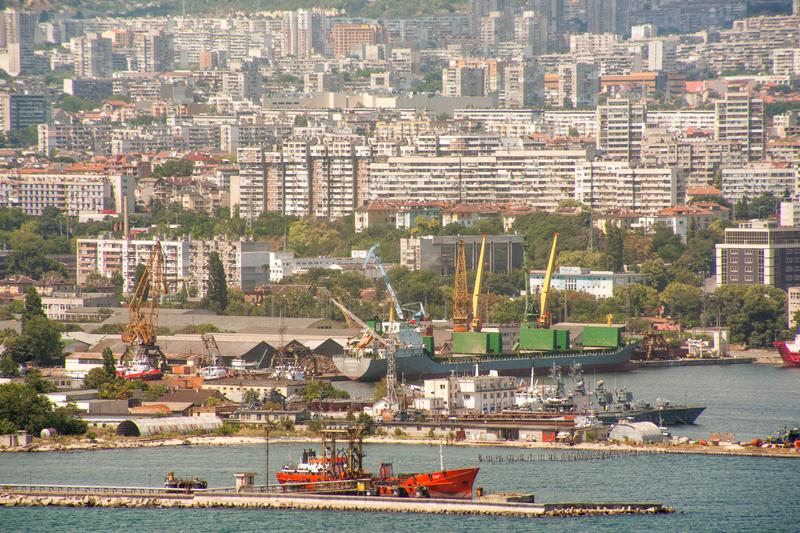 Варна инвестира над 3 млн. лв. в нова индустриална зона
