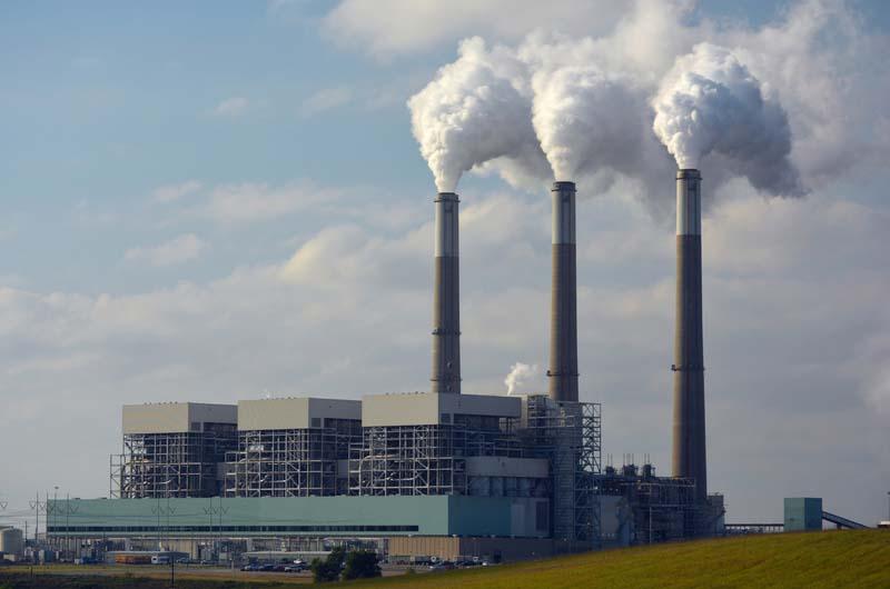 След резкия спад през 2020 г. световните емисии на въглероден диоксид отново нарастват