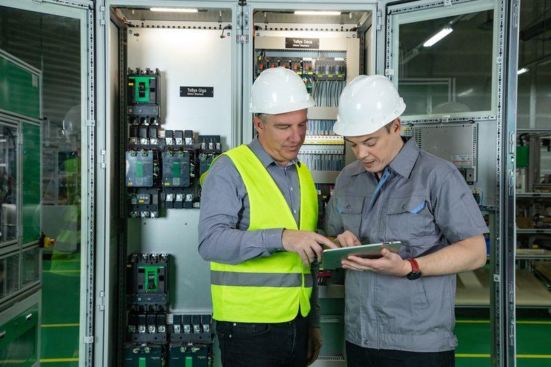 Schneider Electric представи глобална стратегия за партньорство на Хановерския панаир