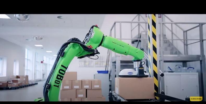 Кобот <strong>FANUC</strong> CR-15iA облекчава работата на служителите в Таkeda