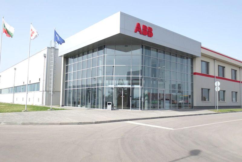 <strong>ABB</strong> организира първото автокино за електромобили в България