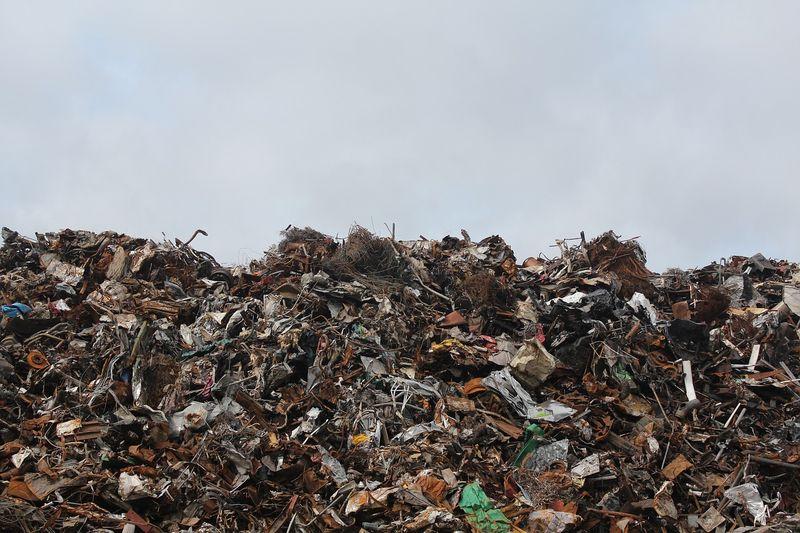 Софийска община обяви търг за поддръжка на техника за МБТ на отпадъци