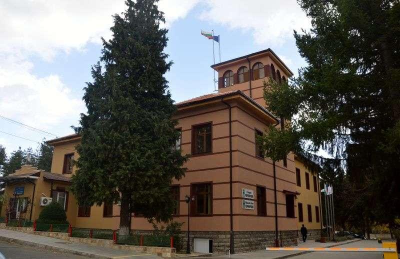 Община Черноочене търси фирма за доставка на строителни, ел. материали и ВиК части