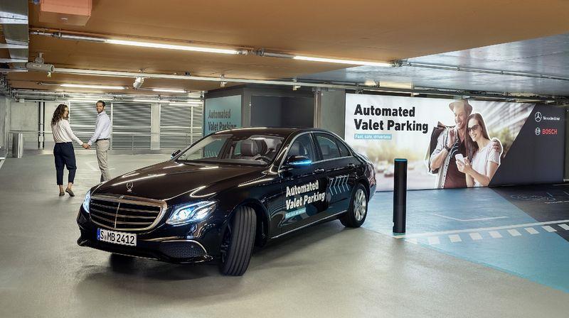 <strong>Bosch</strong> и Daimler получиха одобрение на технологията за автономно паркиране