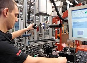 Bosch внедрява Индустрия 4.0 в над 100 производства